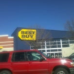 Photo taken at Best Buy by Jon J. on 2/13/2012
