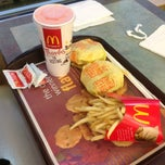 Photo taken at McDonald's by Vinessa S. on 3/28/2014