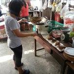 Photo taken at ร้านข้าวพี่ใหม่ by Benjee C. on 4/22/2013