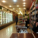 Photo taken at Green Tomato by King👑💵 on 3/15/2013