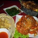 Photo taken at Restoran Seri Idaman by Ariel R. on 2/28/2013