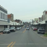 Photo taken at Downtown Hartselle by Rita H. on 4/18/2014
