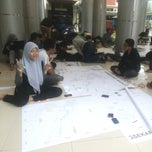 Photo taken at Gedung Dekanat Fakultas Teknik Universitas Brawijaya Malang by Nidyaul E. on 6/7/2014
