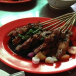 Photo taken at Sate Tegal Barokah by Yohan N. on 6/13/2013