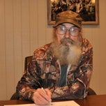 Photo taken at Duck Commander Headquarters by 🍺Robert 🍻 D. on 5/8/2013
