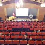 Photo taken at Üsküdar Üniversitesi Nermin Tarhan Konferans Salonu by Baybars Tolgahan Y. on 10/9/2013