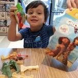 Photo taken at McDonald's by Thien-Lan W. on 4/13/2013