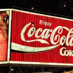 Photo taken at The Coca-Cola Billboard by 놀리밑™ on 6/13/2012