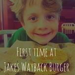 Photo taken at Jake's Wayback Burgers by Matthew W. on 6/6/2013