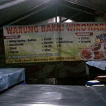 Photo taken at Warung Bakmi Wirowargo by Erlyana Restu H. on 4/5/2014
