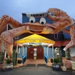 Photo taken at Giant Crab Seafood Restaurant by Chris L. on 4/16/2013