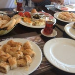 Photo taken at Çıngıloğlu Exclusive Mağaza ve Börek Evi by Doğukan K. on 10/7/2012