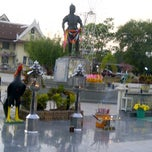 Photo taken at อนุสาวรีย์พระยาพิชัยดาบหัก (Phraya Pichai Dab Hak Monument) by aueijung a. on 1/19/2013