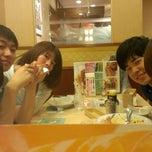 Photo taken at ジョナサン 荻窪北店 by Nodoka G. on 6/28/2014