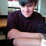 Photo taken at Pizza Hut by Robbie F. on 5/7/2014