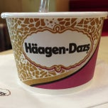Photo taken at Häagen-Dazs by AdvogadoFérrer on 3/6/2013