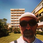 Photo taken at Hotel Los Jazmines by Romeo D. on 8/10/2014