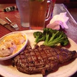 Photo taken at Logan's Roadhouse by Scott C. on 5/7/2012