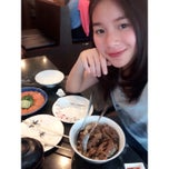 Photo taken at Mr.Sushi (มิสเตอร์ซูชิ) by Philaiwan L. on 11/8/2014
