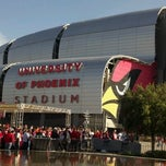 Photo taken at University of Phoenix Stadium by Vinicius P. on 12/23/2012
