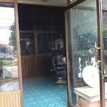 Photo taken at ร้านตัดผมช่างแดง by Kaoey on 6/24/2012