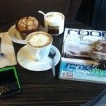 Photo taken at Sawasdee Coffee @ Bangsean by ขาดบาท บ. on 4/6/2012