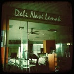 Photo taken at Deli Nasi Lemak by Azrie M. on 12/24/2010