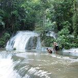 Photo taken at Air Terjun Moramo - Kawasan Suaka Alam Tanjung Peropa by AnonymouS on 4/5/2011