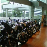 Photo taken at Mabua Harley-Davidson by Fanny O. on 9/25/2011