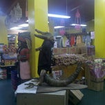 Photo taken at Indian River Fruits And Souvenirs by Kevin C. on 8/8/2011