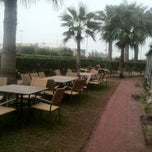 Photo taken at Holiday Inn Salmiya by حور A. on 2/1/2012