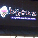 Photo taken at Bijous Yogurt & Gelato Kafe by Fara C. on 8/10/2011