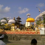 Photo taken at Pura Luhur Candi Narmada Tanah Kilap by 'Tugunk' C. on 9/8/2012