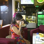 Photo taken at Dante Coffee by Achmad Y. Heryana D. on 10/23/2011