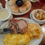 Photo taken at Cracker Barrel Old Country Store by Brooklyne T. on 11/9/2011