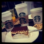 Photo taken at Starbucks | ستاربكس by Jessii♎️ on 8/24/2012