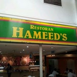 Photo taken at Restoran Hameed's by Jesen K. on 9/12/2011