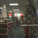 Photo taken at Kohl's by Javid G. on 12/13/2011