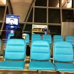 Photo taken at Gate A4 by Ekawee D. on 3/18/2012