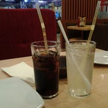 Photo taken at Pizza Hut by MissDaybee on 1/3/2012