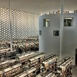 Photo taken at 金沢海みらい図書館 by sho s. on 5/5/2012
