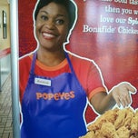 Photo taken at Popeyes Chicken and Biscuits by Gabriel R. on 5/11/2012