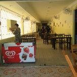 Photo taken at มูเธียร่าห์ อาหารตามสั่ง by SunShine on 7/5/2012