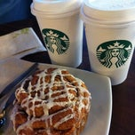 Photo taken at Starbucks Coffee by Oli Y. on 9/25/2011