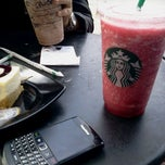 Photo taken at Starbucks by ELiyu E. on 9/4/2011