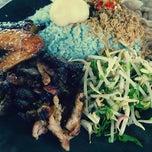 Photo taken at Restoran Nasi Kerabu Golok by Hilmi S. on 1/22/2012