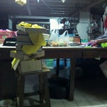 Photo taken at Modernman จำหน่ายอุปกรณ์และตัดชุดกีฬา ทุกแบบทุกสไตด์ by Thongchai L. on 12/6/2011