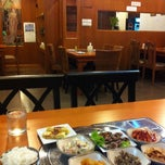 Photo taken at Full House Korean Retaurant by Cee ♪. on 8/16/2011