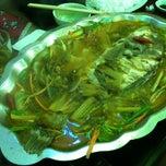 Photo taken at Ngư Quán Thạch Kim by hong l. on 6/22/2012