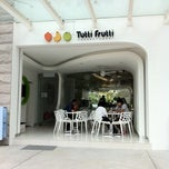 Photo taken at Tutti Frutti by Benny H. on 1/28/2011